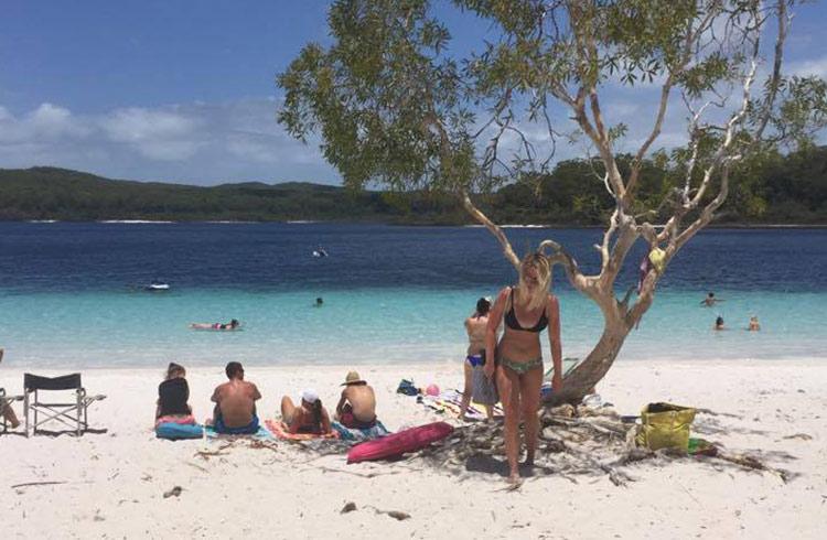 sunny-lake-mackenzie