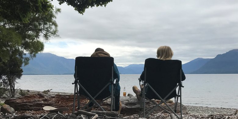 chillin-te-anau-lake