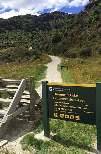 diamond-lake-trail-sign