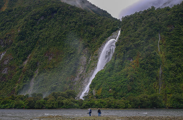milford-big-waterfall