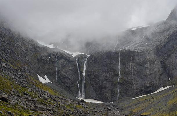 waterfalls-milford
