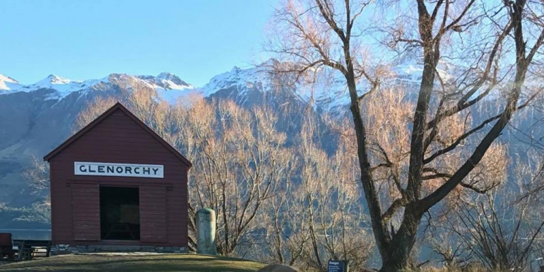 glenorchy-hut