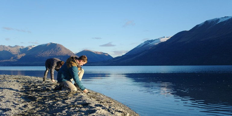 twenty-five-mile-stream-skipping-rocks-near-glenorchy