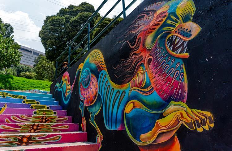 bogota-street-art-dragon-steps