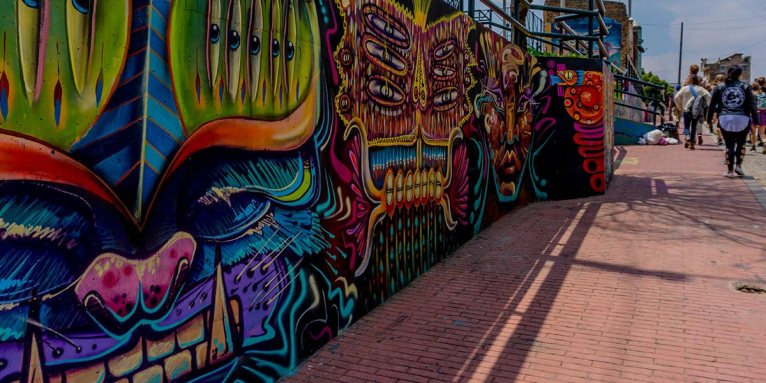 bogota-street-tour-bright-colours-lead