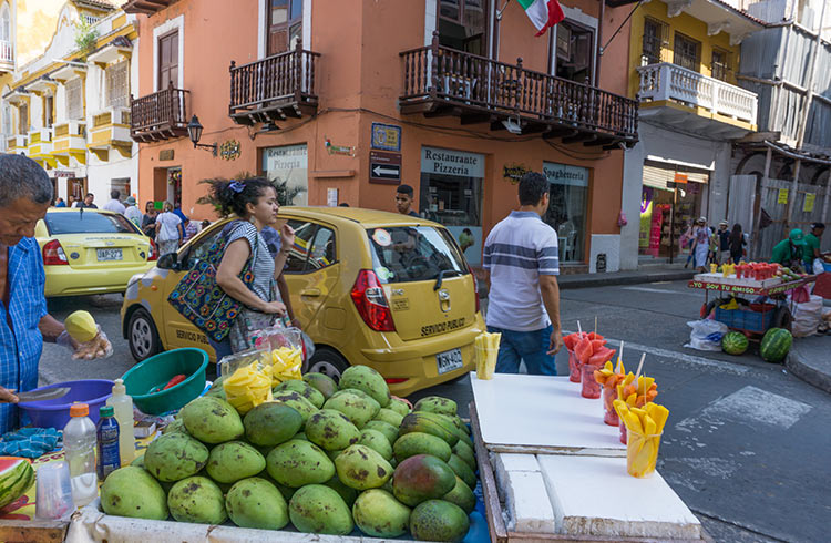 colombia-coconuts-for-sale-cartagena