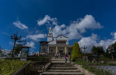colombia-monserate-church
