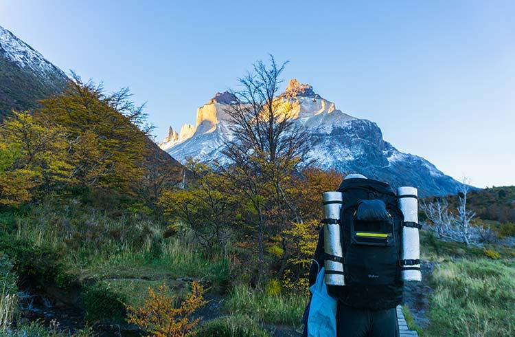 hiking-w-trek-colours-of-winter